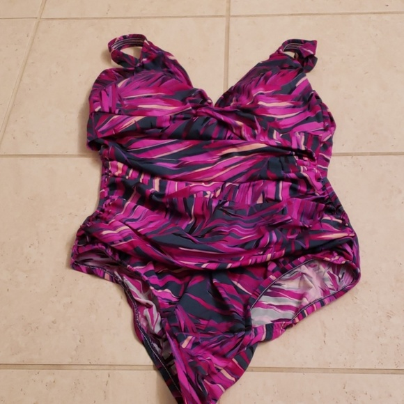 croft & barrow Other - Croft & Barrow slimming swimsuit. Size 16.